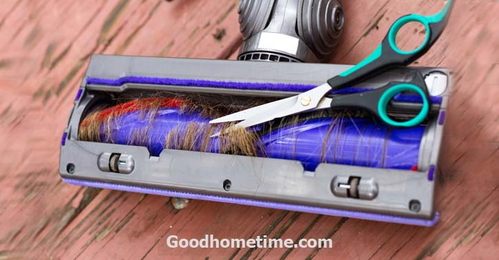 34.3. how-to-remove-hair-from-canister-vacuum-roller_230284168_ds