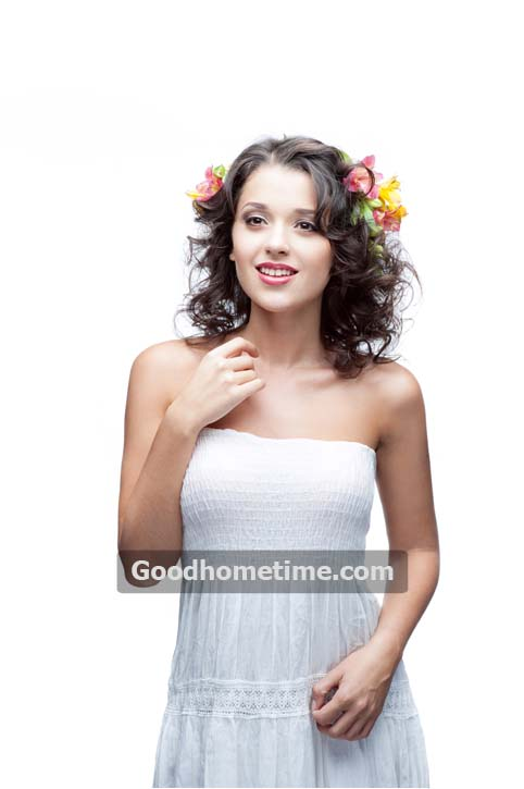 113.2. smiling-young-woman-with-flower