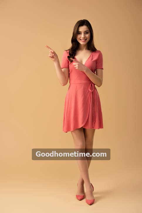 707.2. cheerful-brunette-woman-pointing-fingers