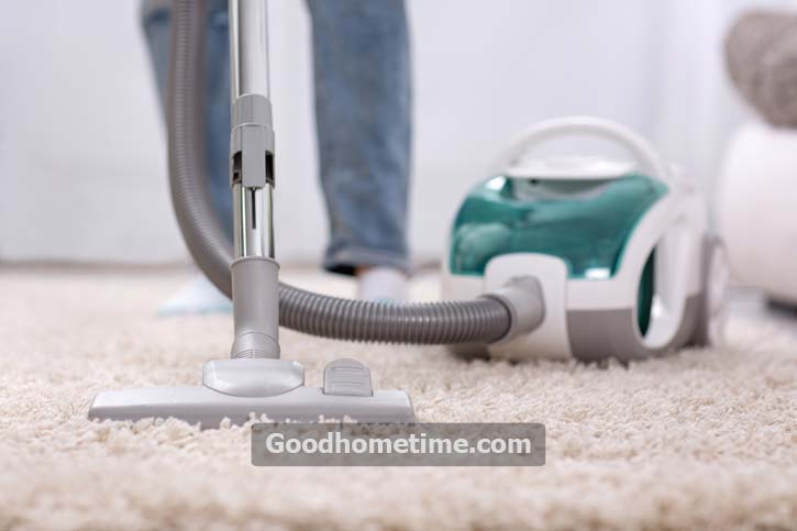 You can lay the hose on a tiled floor or preferably a towel to trap any water that leaks out
